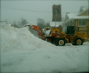 The city workers attempt to get RID of the snow!!!